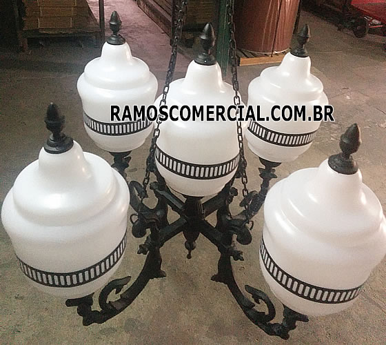 Lustre Colonial